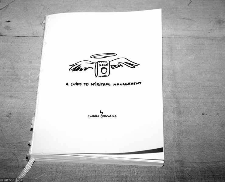 Size Zero: A GuideTo Spiritual Management By Guram Gvasalia (Foto: Anna Pietschmann)