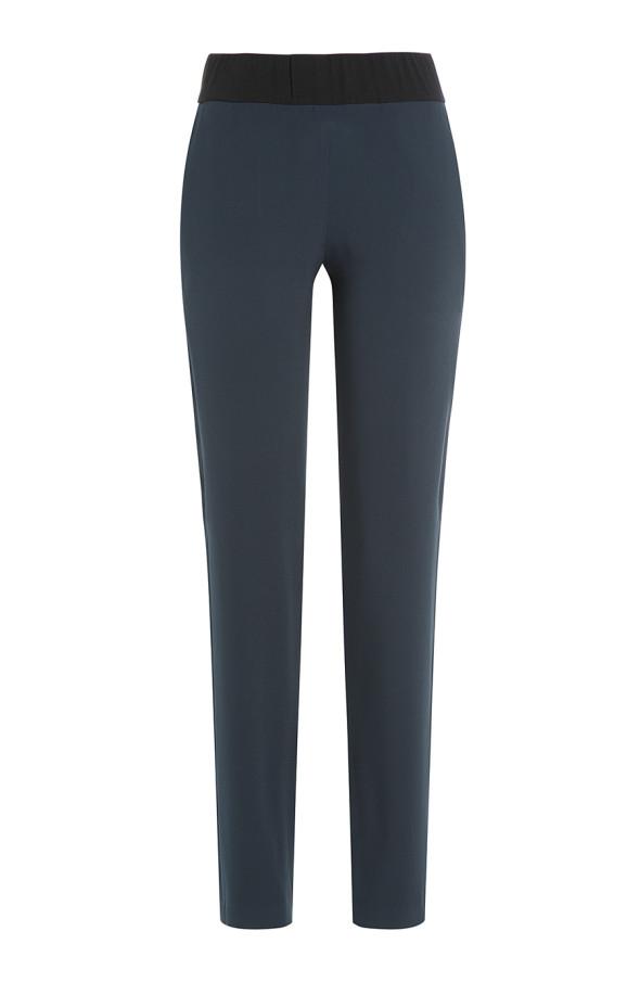 Slimpants aus Jersey von Cédric Charlier über Stylebop.com, jezt 225 Euro, vorher 375 Euro