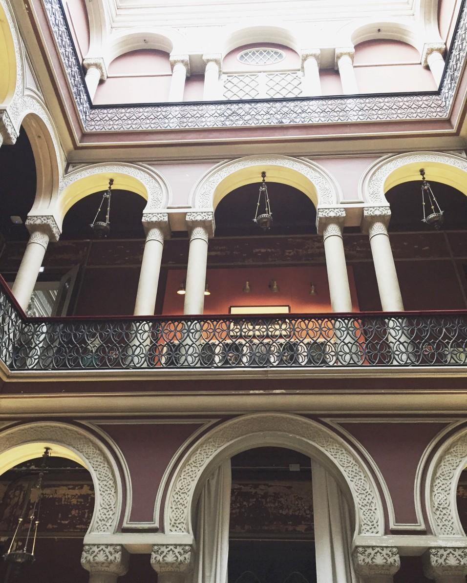 Embaixda. Ein Conceptstore in einem Palast aus dem 19. Jahrhundert